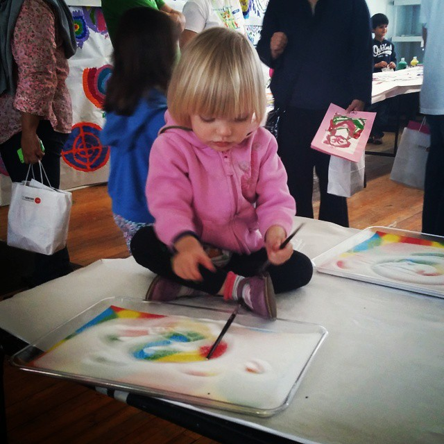Hooray for May! #ccabedminster #TheCenterForContemporaryArt #HoorayforMay #njart #njkids #familyfun #familyfundayRead…